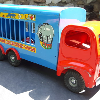 Ti-ang 307 Circus Van - Model Cars