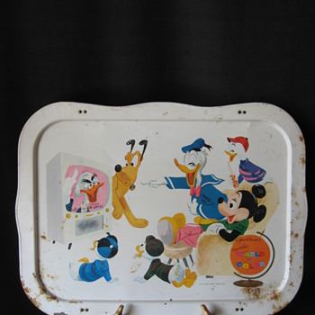 VINTAGE WALT DISNEY'S WONDERFUL WORLD OF COLOR TV TRAY  -DATED 1961