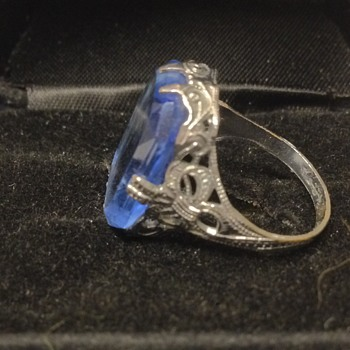 Antique? Blue glass ring  - Costume Jewelry