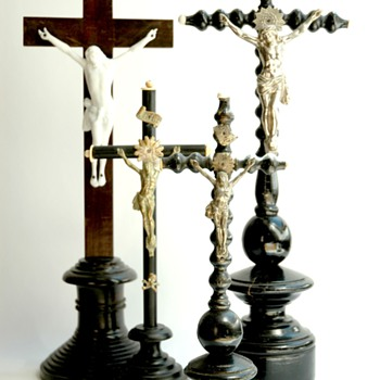 french victorian religioux crucifix