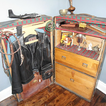 Indiana Jones Wardrobe Trunk