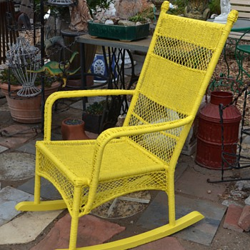 Comfy Outdoor 'Wicker' I painted. - Furniture