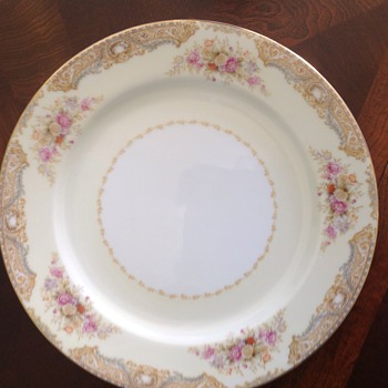 My mothers china - China and Dinnerware