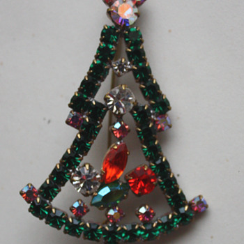 Vintage Christmas Tree Brooch
