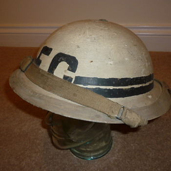 British WW11 Fire Guard Senior Officer helmet - Military and Wartime