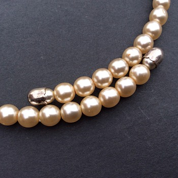 Antique/vintage? Pearl choker necklace