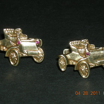 14K Gold 1903 Ford Model A Runabout