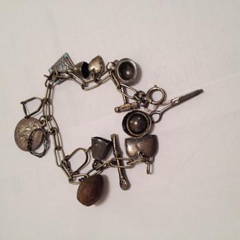 Charm bracelet  - Costume Jewelry