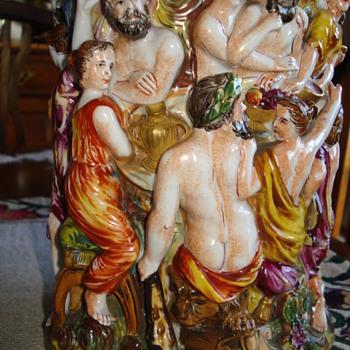 An elaborate multifigural Capodimonte vase