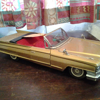 Hugh size 17 inches Bandai Cadillac - Model Cars