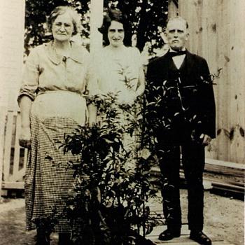 Family photo, circa 1920 ish - Photographs