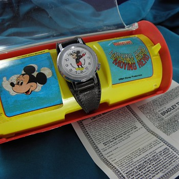 1978 Bobble-Head Mickey - Wristwatches