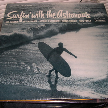 SURFIN' WITH THE ASTRONAUTS RCA VICTOE DYNAGROOVE LSP-2760 - Records