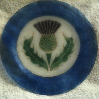 help identifying, please!  scottish thistle commemorative plate? - Glassware