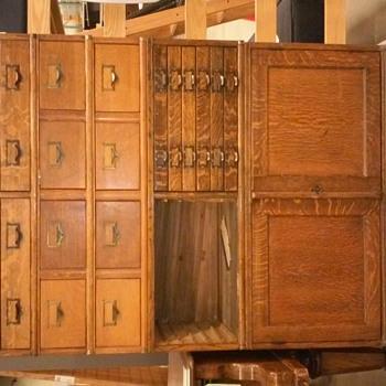 Vintage GLOBE furniture (Globe-Wernicke)