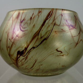 Loetz art glass bowl, PN and decor unknown, ca. 1912