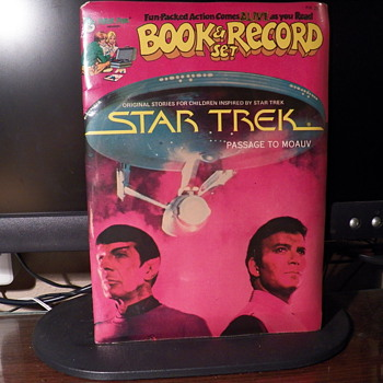 Star Trek Book and record & The Hair Bear Bunch Comic Book