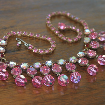 Pretty in Pink Necklace - Costume Jewelry