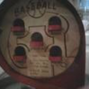 VINTAGE GUMBALL MACHINE / BASEBALL