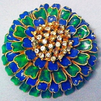 Ciner Brooch - Costume Jewelry