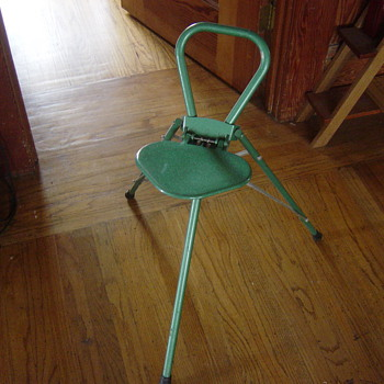 Cool tripod carry around chair