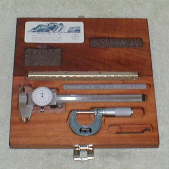 Mitutoyo Precision Caliper & Micrometer Set - Tools and Hardware