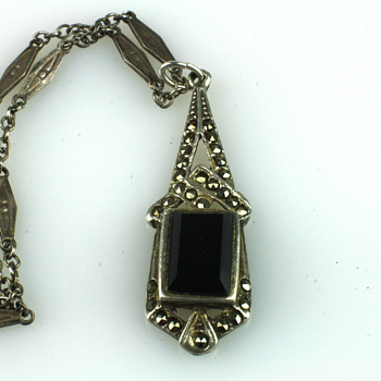 Art deco marcassite, silver and onyx pendant - Fine Jewelry