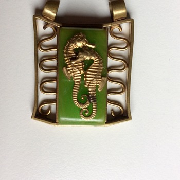 Bakelite and brass Jean Painlevé seahorse pendant - Costume Jewelry