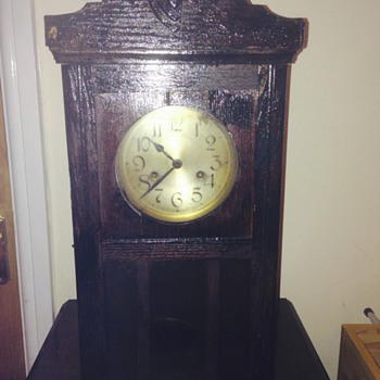 can somebody tell me about this clock please :-)