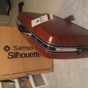 New with tags attached Samsonite Silhoutte 3 26""