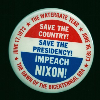 Watergate / Impeach Nixon pinback button - Medals Pins and Badges