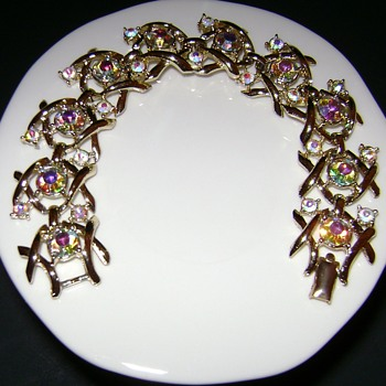 Vintage Coro Bracelet Hugs and Kisses  - Costume Jewelry