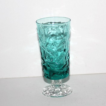 Teal and clear textured glass wine glasses