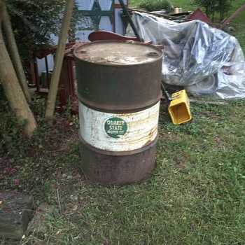 vintage 1955-55 gallon oil drum by quaker state and berenfield containers - Petroliana