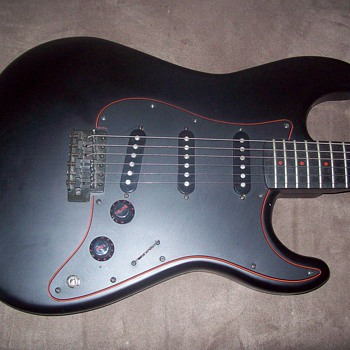 Profile brand Black Magic strat copy