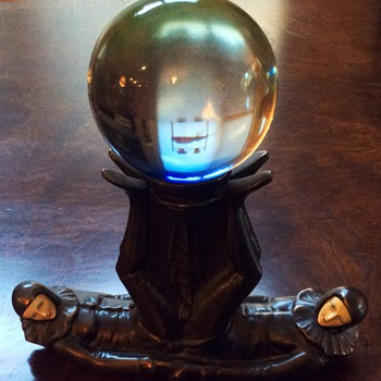 Crystal Ball - Figurines