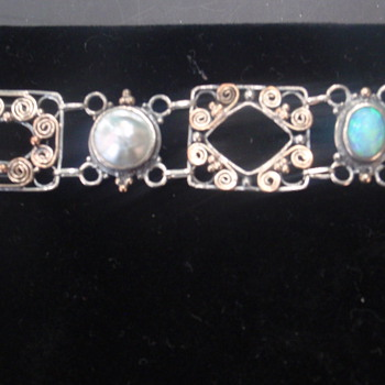 Arts & Crafts MOP & Opal Bracelet