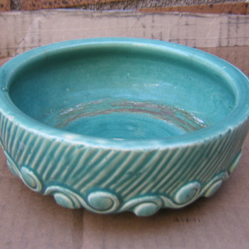 McCoy dish planter in my favorite aqua color - Art Pottery