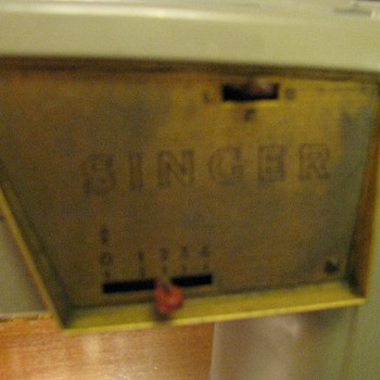 singer sewing machine   1957 - Sewing