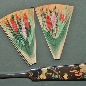 "The ""3pieces fan"" is a fixed fan, chinese, late 19th century."