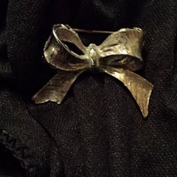 Antique Silver Bow Brooch?