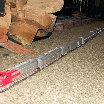 Athearn Santa Fe Sper Chief HO Passenger Train - Model Trains