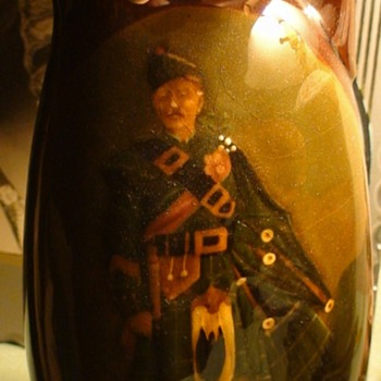 "Royal Doulton Dewar's Whiskey  ""The Pipe Major"" Container with Thistle Stopper - Art Pottery"