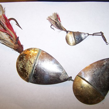OLD FISHING LURES,PFLUEGER SPINNERS - Fishing
