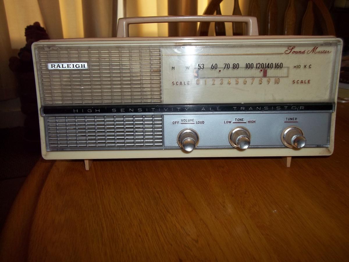 Vintage Radio Collectors 54
