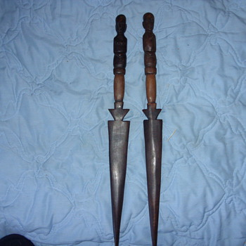 AFRICAN WOOD KNIVES
