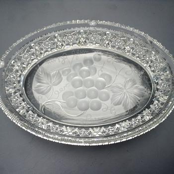 Amish dish - Glassware