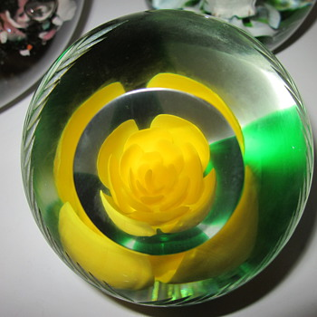 St Clair Paperweights - Art Glass