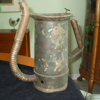 Very Unusual HUENEFELD Cincinnati, OH OIL CAN- Rare? - Petroliana