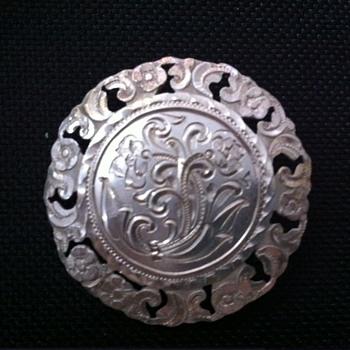 Argentinian handmade vintage brooch